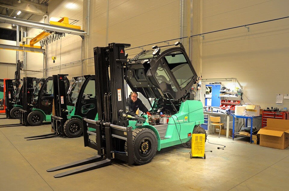 regular forklift maintenance